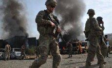 Pašnāvnieka sarīkotā sprādzienā Afganistānā gājuši bojā trīs NATO karavīri