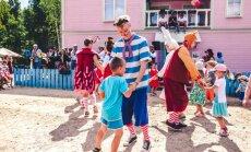 Arī septembra nedēļas nogalēs ģimenes un klases ciemos aicina Lotes zeme