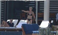 Foto: Čārlīze Terona bikini izrāda jauneklīgo ķermeni