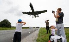 Igaunijā uz šosejas nosēžas amerikāņu kaujas lidmašīnas 'A-10'