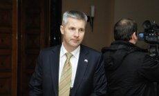 Pabriks: Prezidentam nevajadzētu apmeklēt 'uzvaras dienas' svinības Maskavā