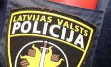 Starptautiskā meklēšanā izsludinātu baņķieri aiztur Latvijā, bet neilgi pēc tam atbrīvo