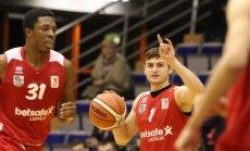 BBL spēlēs uzvaras svin 'Betsafe/Liepāja' un 'Ogre'; Ausējs gūst 19 punktus Lietuvā
