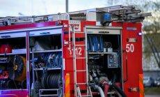 Lokalizēts riepu un kūlas ugunsgrēks pie Jelgavas lidlauka