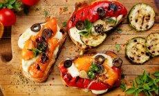 Itāliešu kraukšķmaizītes – krostini un brušetas: 12 eleganti vienkāršas receptes