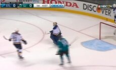 'Sharks' NHL Rietumu konferences finālā vēlreiz 'sausā' pārspēju 'Blues'