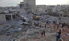 Gaisa uzbrukumos Idlibā nogalināti vismaz 44 cilvēki