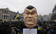 Janukoviča pretinieku mītiņā Kijevā sapulcējušies gandrīz 300 000 cilvēku