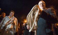 Foto: Kā igauņi pēc kāzām Ilvesu pāri sveica
