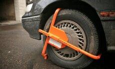 Galvaspilsētas autostāvvietās novembrī atsāksies automašīnu riteņu bloķēšana