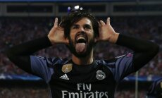 Real Madrid Isco celebrates scoring goal