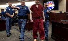 12 mūža ieslodzījumi + 3318 gadi: notiesāts ASV kino šāvējs Holmss
