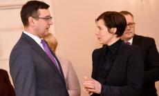Сейм отказался увольнять министров Рейзниеце-Озолу и Рейрса