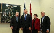 Makeina vizīte Rīgā – ASV senatori sola stiprināt Latvijas drošību