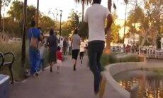 Video: Kalifornijā masveidā meklē nezināma labdara paslēptu naudu