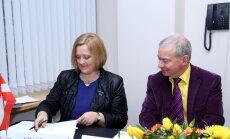 Rektore Rēvalde sola pretoties 'Lemberga spiedienam' un apstrīd atcelšanu no amata