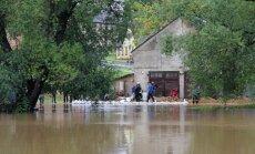 EK lēmusi palīdzēt plūdos cietušajai Baltijai