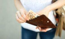 Alga pēc nodokļu reformas: sieviete izņem sakrāto pensiju un zaudē neapliekamo minimumu