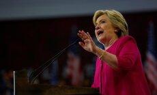 Atbalsts Klintonei pārsniedz 50%, secināts aptaujā