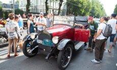 Foto: 'Rīga Retro 2017' parāde pie Motormuzeja un pilsētas centrā