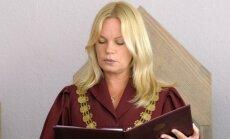 Осужденная за взятку судья работает в Рижской думе