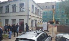 VNĪ aptur Tabakas fabrikas līguma laušanu un aicina būvniekus uz mediāciju