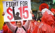 Ātrās ēdināšanas restorānu darbinieki apvienojas un 'uzrīko' pasaules vēsturē lielāko nozares streiku