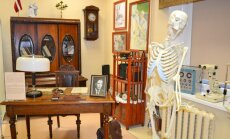 Medmāsa, ķirurga instrumenti un pat skelets: Daugavpilī jauns Medicīnas vēstures muzejs