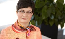 'Swedbank' galvenā ekonomista Latvijā amatā Mārtiņa Kazāka vietā stāsies Lija Strašuna