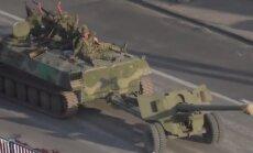 Video: Luhanskā iebrauc draudīga separātistu tehnikas kolonna