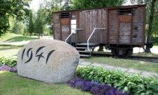 Atskats vēsturē: īsi pirms nacistu ienākšanas uz Sibīriju aizveda 15 424 cilvēkus