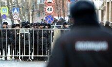 Krievijas tiesas vairākiem opozīcijas aktīvistiem Jaungadu liek sagaidīt ieslodzījumā