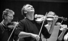 'Sinfonietta Rīga' uzstāsies kopā ar izcilo vijolnieku Florianu Dondereru