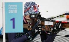 Kuzmina triumfē olimpiskajās masu starta sacensībās biatlonā