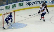 Video: NHL tiesneši ieskaita strīdīgu 'bullīti'