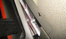 VID kravas auto slēpņos atrod 131 600 kontrabandas cigarešu