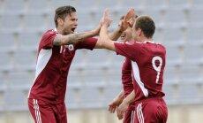 Latvijas futbola izlase Baltijas kausa pusfināla mačā sagrauj Lietuvu