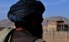 Afganistānā 100 karavīri padevušies talibiem
