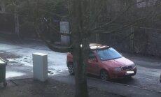 Jūrmalas pašvaldības policija nesoda par parkošanās pārkāpumu, brīnās lasītājs