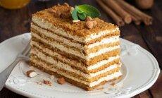 Nacionālais lepnums – medus kūka: 11 receptes svētku sajūtas radīšanai