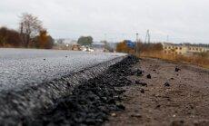Uz Valmieras šosejas turpinās plaši ceļa remontdarbi