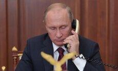 Putins paraksta likumu par 'ārvalstu aģenta' statusu ārzemju medijiem