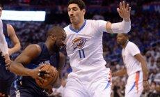 NBA spēlētāja Kantera ģimene atsakās no dēla par Gilena atbalstīšanu