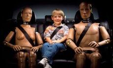 Teju katrs trešais autovadītājs ir pārvadājis nepiesprādzētu bērnu