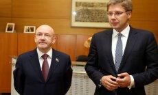Foto: Ušakovs ar Maskavas pilsētas domes priekšsēdētāju Platonovu spriež par tūristu piesaisti Latvijai