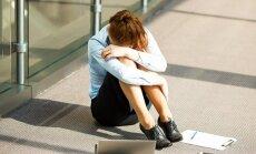 Diskriminācija, veselības problēmas un uzmākšanās: iemesli sievietes darba dzīves sabrukumam
