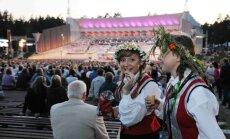 Мелбарде: эстрада в Межапарке должна выдерживать по крайней мере 13 тысяч певцов