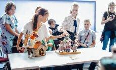 Foto: Ar 6000 skolēnu līdzdalību atklāta iniciatīva 'Latvijas skolas soma'