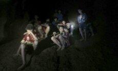 Taizemē pazemē iesprostotajiem zēniem vai nu jāiemācās nirt, vai jāpavada alā vēl četri mēneši