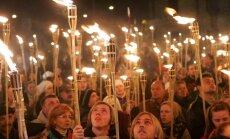 Video: Brīvības cīnītājus Rīgā piemin lāpu gājienā